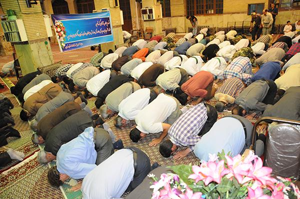 اقامه نماز مغرب و عشاء مسجد هدایت